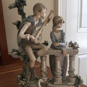 Retired Large Size LLADRO Figurine SERENADE #5381